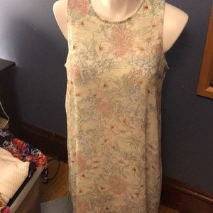 Tommy Hilfiger size 16 pale yellow flowered dress